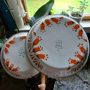 Vintage Kitchen - Set of 2 Vintage Tulip Design Polish Enamel Pans